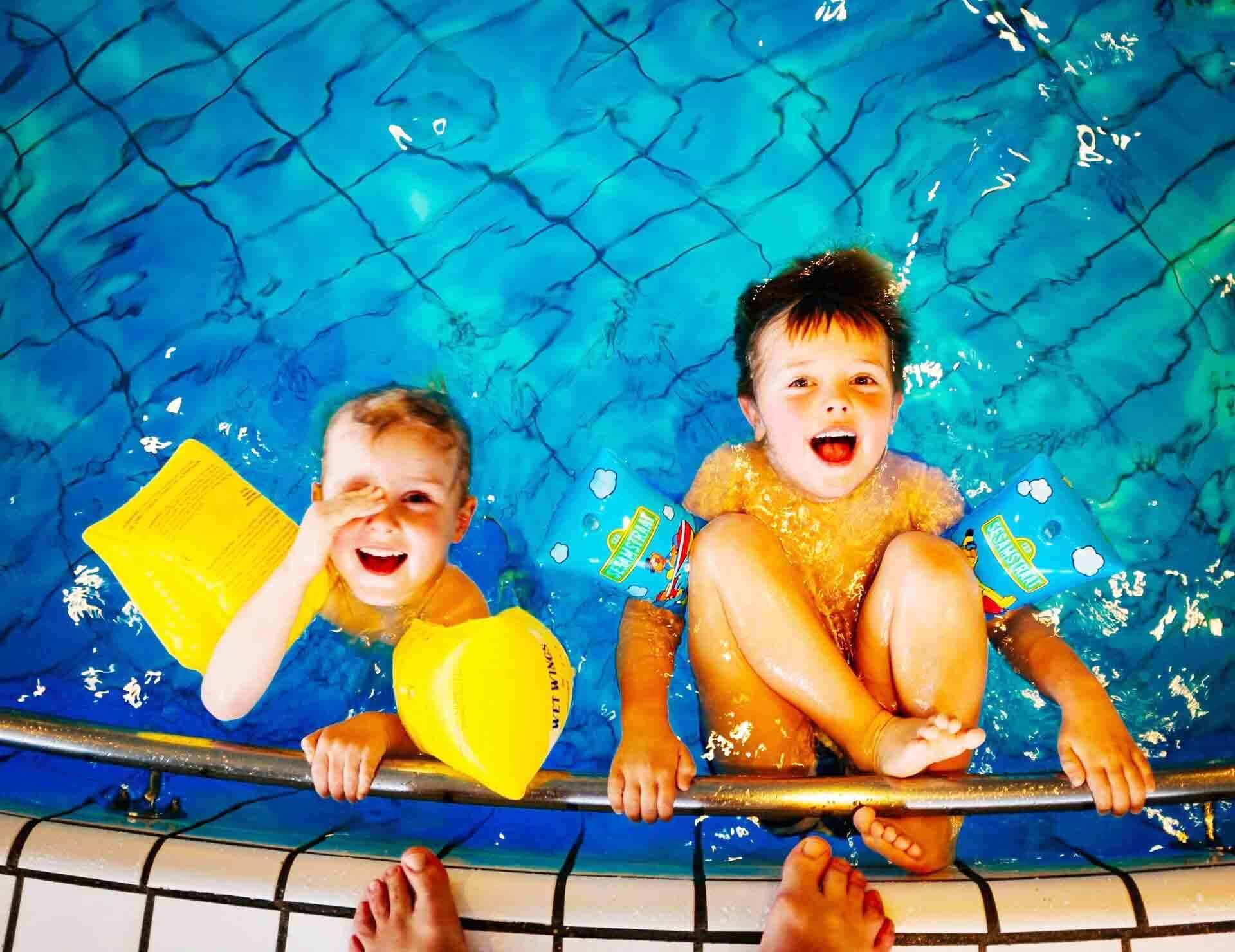 Cours particulier apprentissage natation enfant
